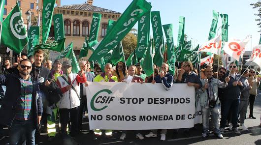 Más de 200 trabajadores de la limpieza protestan en Alcaldía