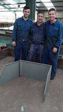 Photo: Adrián, Luismi y Javier con su proyecto de protecciones para puesto de soldadura