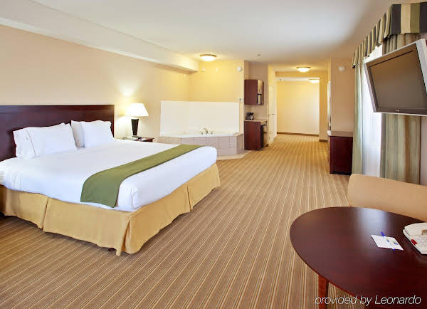 Holiday Inn Express Fresno River Park Highway 41