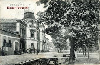 Photo: Radnica a potok Hlísnik začiatkom 20. storočia.