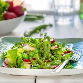 Arugula Salad With Peas And Radish