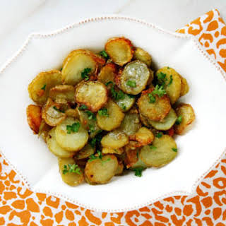 Garlic and Shallot Fingerling Potatoes (Vegan, Gluten-Free, Dairy-Free, Nut-Free, Paleo-Friendly*).