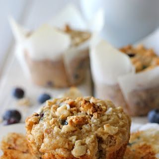 Blueberry Oatmeal Muffins with Granola Crumb Topping