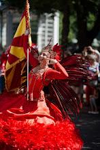 Photo: Papagaion kulkueen väriloistoa: punaista / The colours of Papagaio: Red