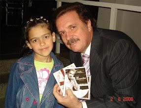 Photo: O Maestro Eduardo Lages e Daniele no momento em que ele autografou o CD.