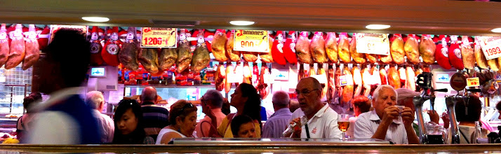 Photo: Museo del Jamón, which is a deli and restaurant.  Madrid.