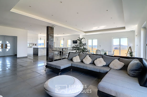 Vente maison 6 pièces 330 m2