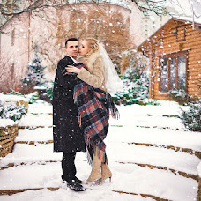 Wedding photographer Oksana Novosadova (Oks-FOX). Photo of 28.12.2012