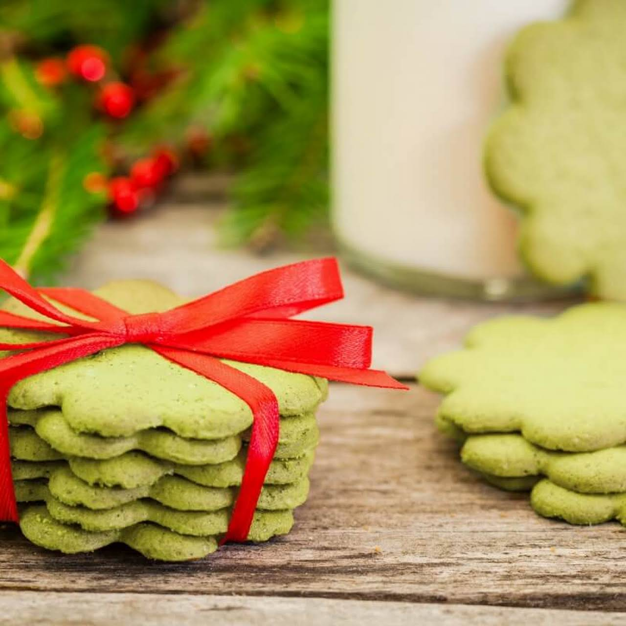 Matcha Gingerbread Cookies