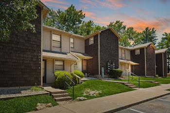 Go to Wornall Estates Apartments website