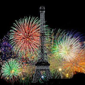 Eiffel Tower Fireworks by Dimitri Foucault - Abstract Fire & Fireworks ( exposure, paris, tower, pwcfireworks, fireworks, eiffel, night, long, painting, light, fire, works )