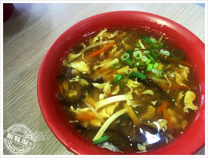 鍋中傳奇鍋貼王酸辣湯