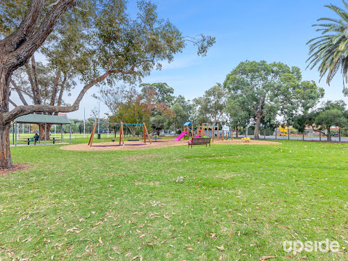 Photo of property at 211/7 Dudley Street, Caulfield East 3145