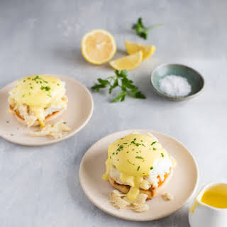 Crab Eggs Benedict + A Visit to Pike Place Market.
