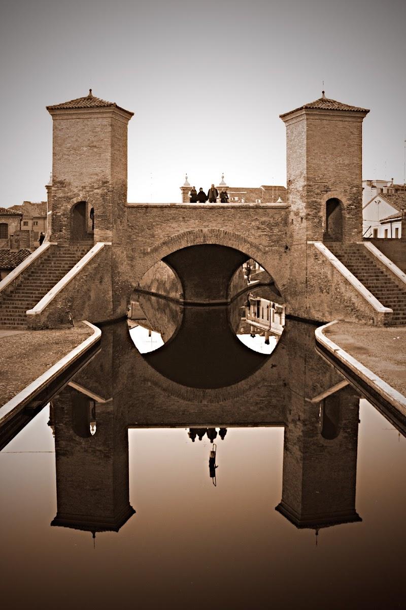 Specchio a Comacchio di Marcello Zavalloni
