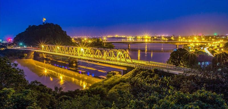 Tuyến đường sắt đầu tiên ở Việt Nam - Ảnh: Đức Thành.