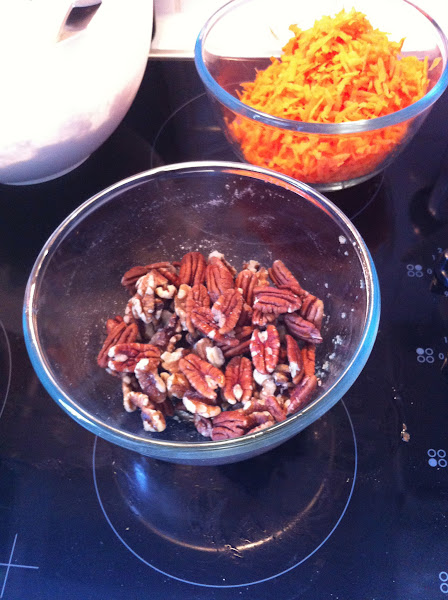 Photo: 4 pecan nuts and walnuts
