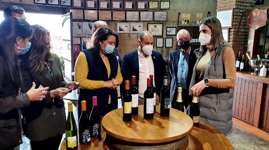 Cerca de 3.000 viticultores afectados por la Covid solicitan ayudas