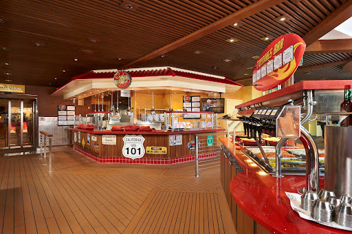 CCL_Horizon_Guys_Burgers.jpg - Guy's Burgers remains one of the perennial favorite lunchtime spots for passengers on Carnival Cruise Line.