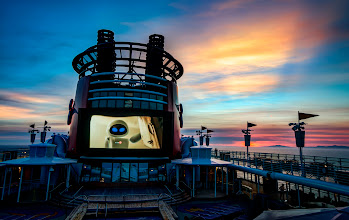 Photo: Wall-e on the Disney Cruise - from Trey Ratcliff at http://www.StuckInCustoms.com