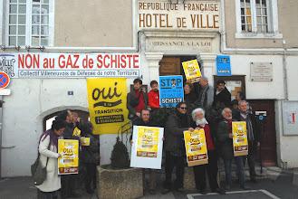 Photo: Conférence de presse du Collectif OUI à la Transition énergétique et écologique le 16 mars à Villeneuve-de-Berg  © Olivier Sébart