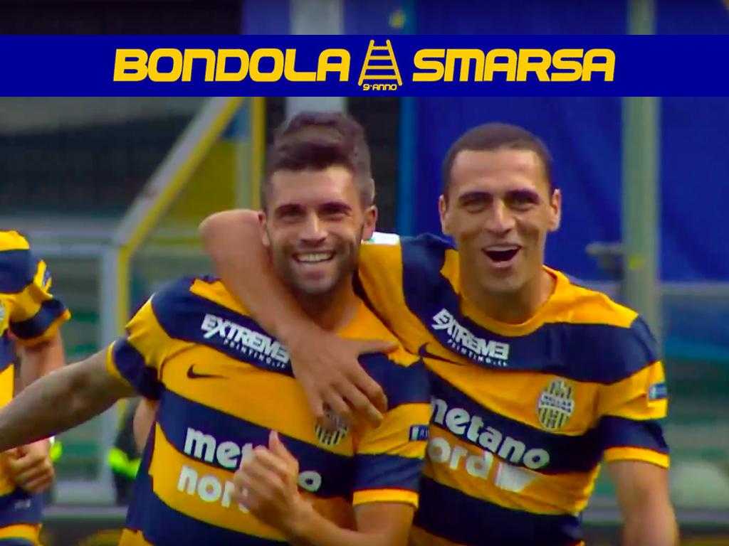 Daniel Sartori Bessa festeggiato dal connazionale Romulo dopo un gol