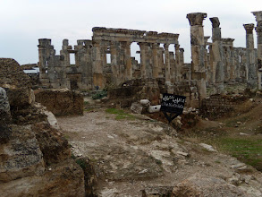 Photo: Apamea, the Cardo Maximus .......... De Cardo Maximus
