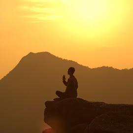 meditation by Sống Đẹp - Uncategorized All Uncategorized ( tây yên tử, tịnh tâm )