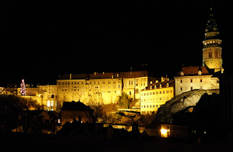 Photo: Castle at night