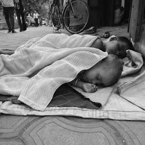 by Soumyadip Ghosh - Black & White Street & Candid
