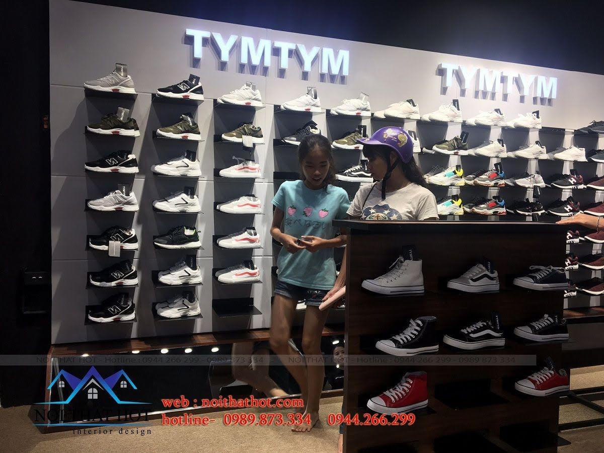 thi công shop giày nam 9