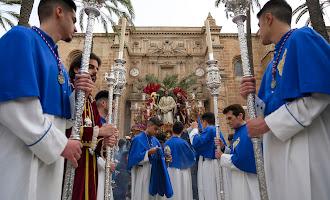 En imágenes: el Prendimiento por las calles de Almería