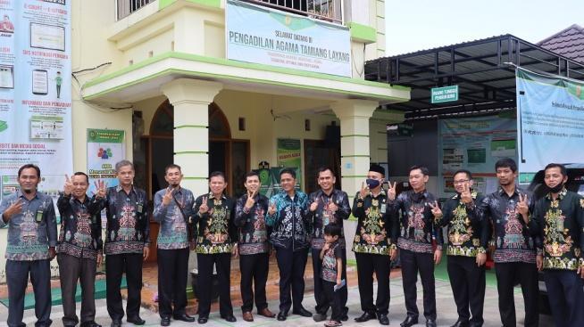 http://pa-tamianglayang.go.id/images/IMG_5393.JPG