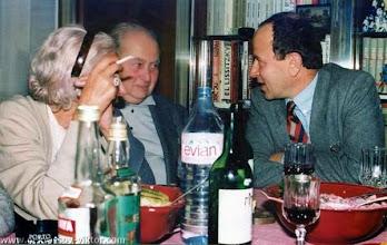 Photo: Сороковины ВПН. Наталья и Александр Ниссены, Семен Мирский, Ванв, 12.10.1987