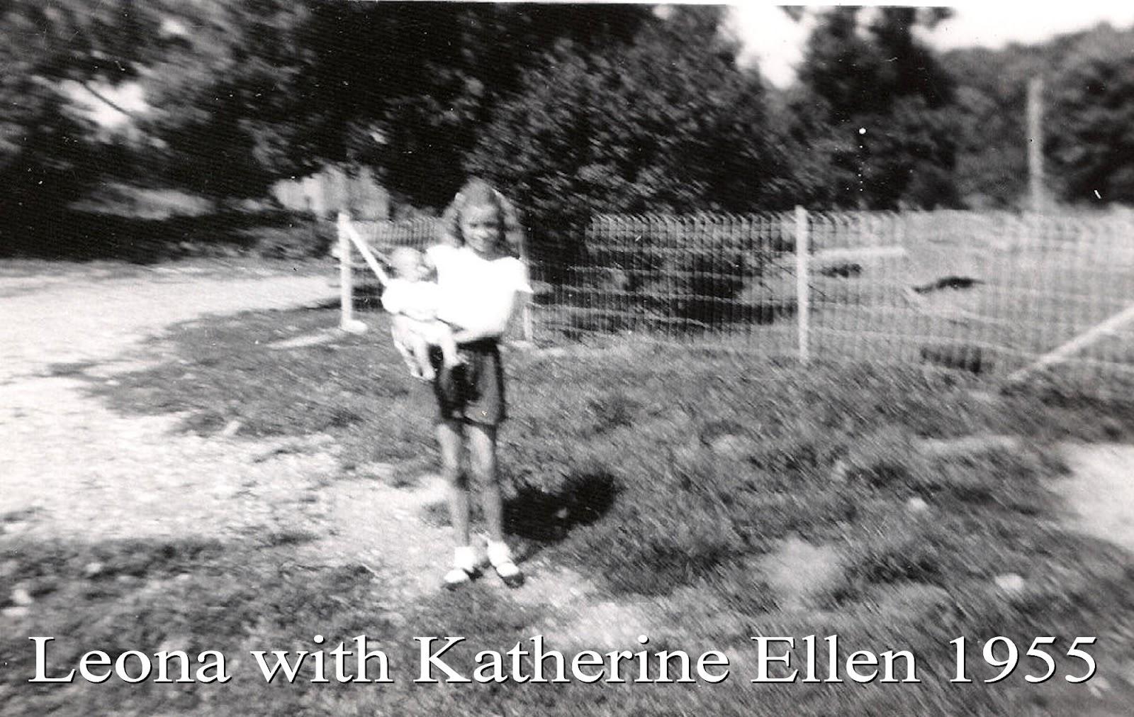 Leona Marie Tate holding Katherine Ellen Tate 1955.jpg