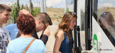 Photo: 30.05.2015.- Visita alumnado Lycée René Cassin de Bayona. Al bus...
