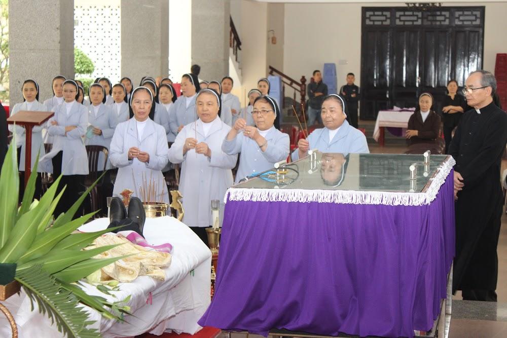 Các đoàn thể kính viếng Đức Cha Phaolô mới qua đời - Ảnh minh hoạ 20