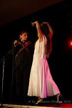 """Photo: Anna Chodakowska, Małgorzata Matuszewska. Prezentacja spektaklu """"Zmienność Róży"""" luty 2010 Centrum Kultury Łowicka w Warszawie. Fot. Liliana Otręba"""