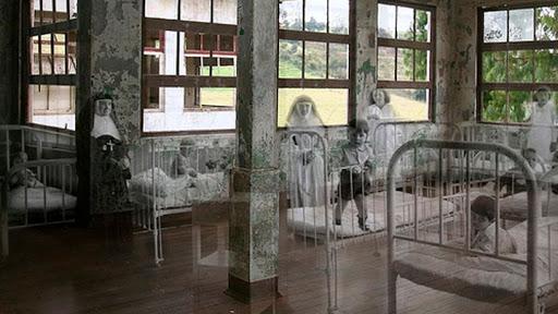 Interior del sanatorio abandonado Duran