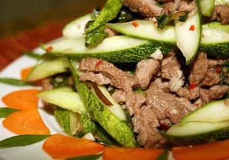 Biến tấu với thịt bò trộn dưa leo lạ vị thơm ngon