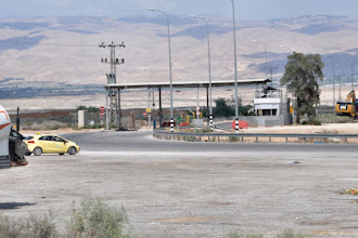 Photo: Checkpoint. The Jordan Valley is under military control of Israel.
