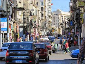Photo: el centro. alejandría es una ciudad enorme, mucho más grande que montevideo, pero, frente al cairo, todos la considerar una ciudad pequeña.