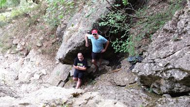 Photo: Ascenso a la cueva en el nacimiento de la Celadilla