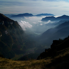 untitled by Riccardo Lazzari - Landscapes Mountains & Hills ( clouds, trentino, mountain, blue, italy, World_is_Blue,  )