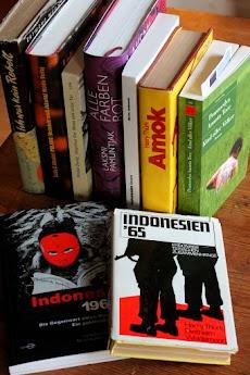 Literatur über Indonesien.