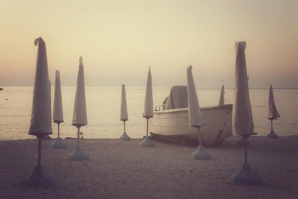In spiaggia fuori stagione
