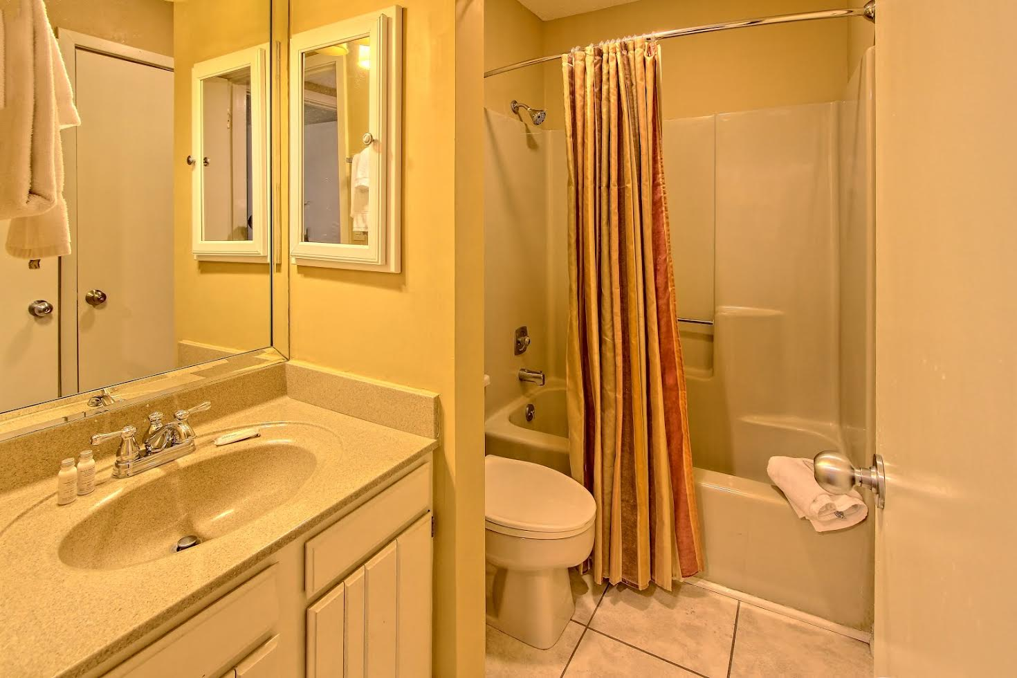 Two Bedroom Suite Picture Number 4