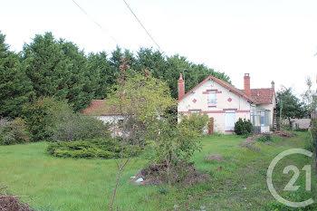 maison à Sancoins (18)