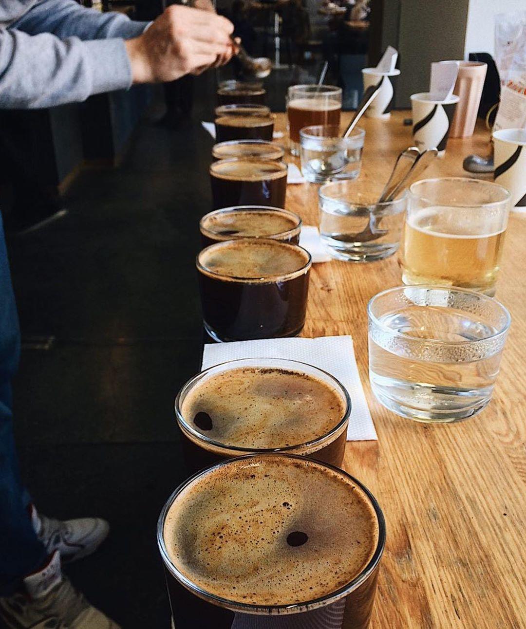 """Кемекс, пуровер та аеропрес: у Франківську відкрилась кав'ярня """"третьої хвилі"""" - Espresso Shot"""