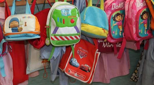 Mochilas de alumnos de una escuela infantil.